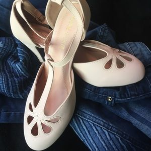 Shoes - The perfect nude shoe